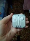 Selling headphones for iPhone Zaporozhe